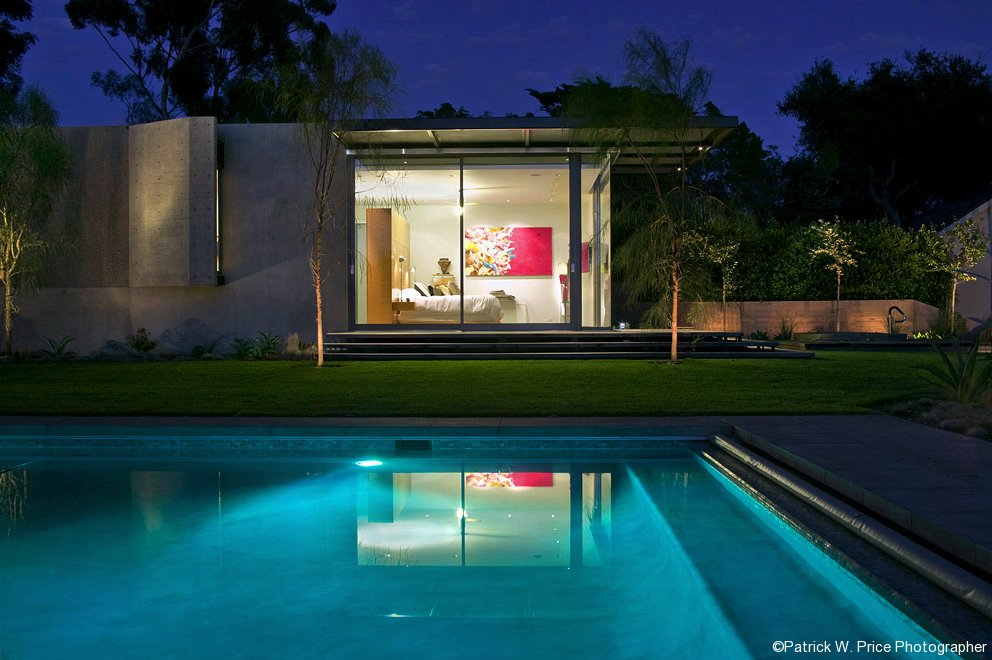 pool-bedroom-view-low